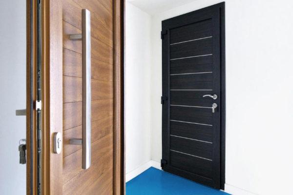 dveri ofisa Ялта окна VEKA - изготовление и установка окон и дверей