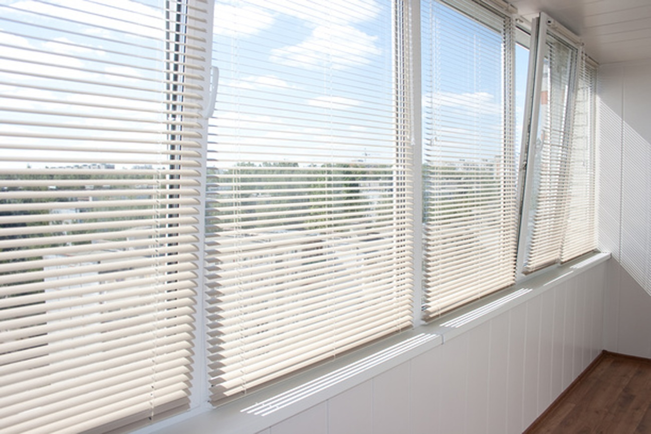 kassetnye zhalyuzi 5 9 1 Ялта окна VEKA - изготовление и установка окон и дверей