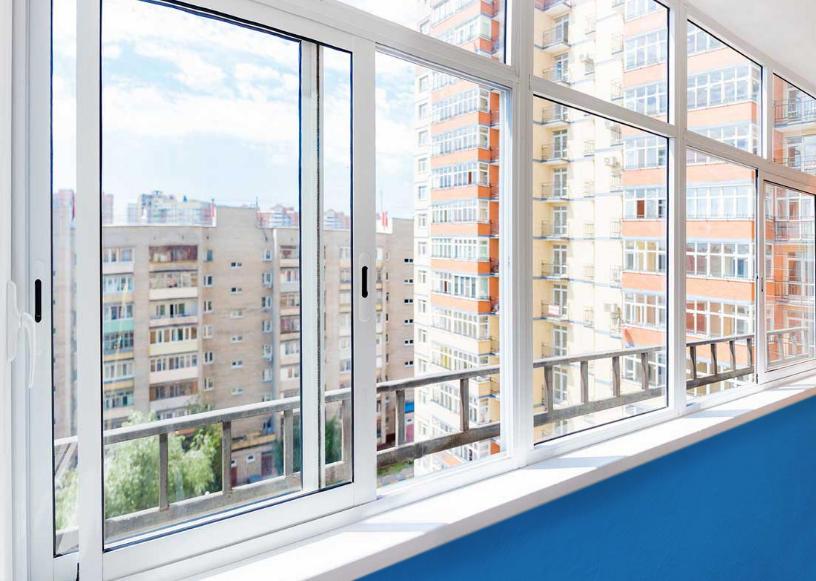 osteklenie s razdvizhnym otkryvaniem stvorok Ялта окна VEKA - изготовление и установка окон и дверей
